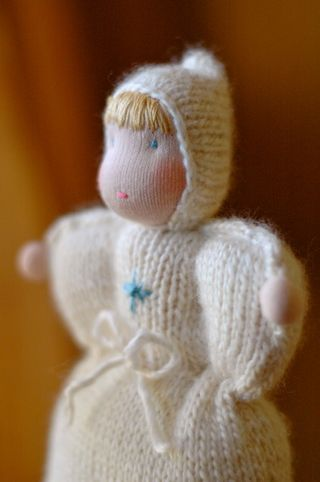 Knitteddoll_snow1