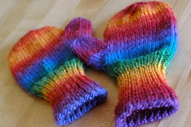 Rainbow_mittens1