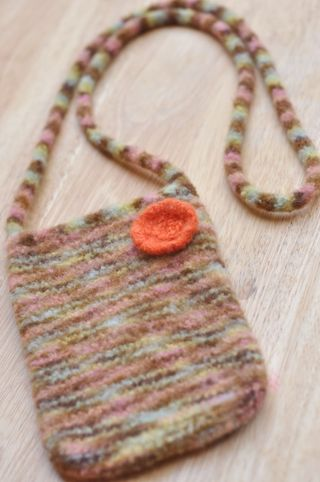 Felted_purse_hannah1